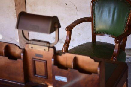 英国 豪華客船の図書机 | 1947年